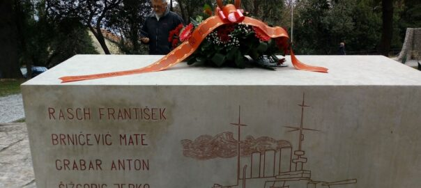 Sjećanje na strijeljanje vođa ustanka crvenih mornara u Škaljarima